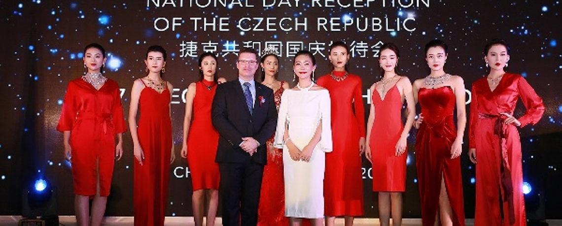 V Číně slavili vznik Československa. Se šperky z jabloneckého ŠENÝRu